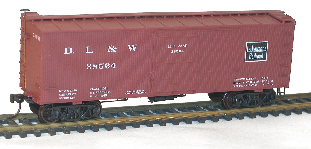 Accurail 1800 Series 36 Foot Double Sheath Wood Boxcars